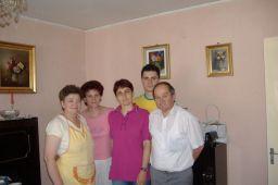 Mama, Lacramioara, Dragos si prof. Dan Radasanu cu sotia