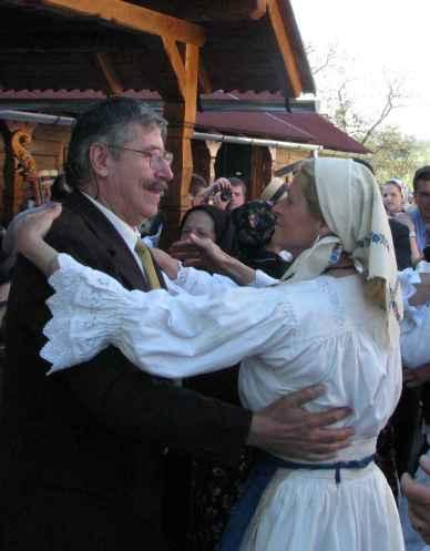 Un dant cu Ana Mitrului