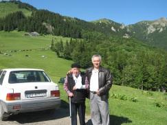 a5. Ovidiu Toderut si Radu Greceanu, stranepotul lui Ion Ghica, intr-un popas la Muntele Rosu (Cheia)